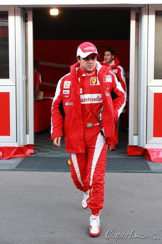 图文:F1季前末轮试第三天 马萨走上赛场