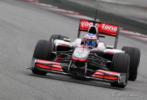 图文:F1季前末轮试第三天 巴顿进行测试