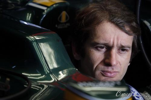 图文:F1季前末轮试第三天 特鲁利等待出发