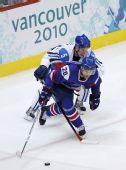 图文:冬奥男子冰球铜牌战 库科宁在比赛中