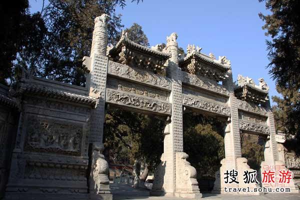碧云寺――明朝两代大太监相中的墓地