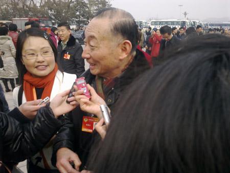 政协委员梅葆玖接受记者采访 摄影 于盟
