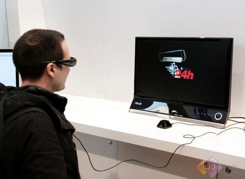 Cebit2010:华硕展示27英寸3D功能液晶