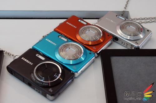 三星发布防水和耐用数码相机WP10和ES73