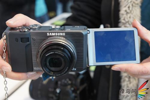三星发布F/1.8镜头专业便携数码相机EX1