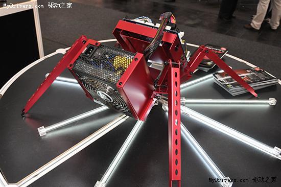 联力另类机箱:红色小蜘蛛