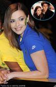 巴西队发布世界杯新战袍 足球宝贝神似卡卡娇妻