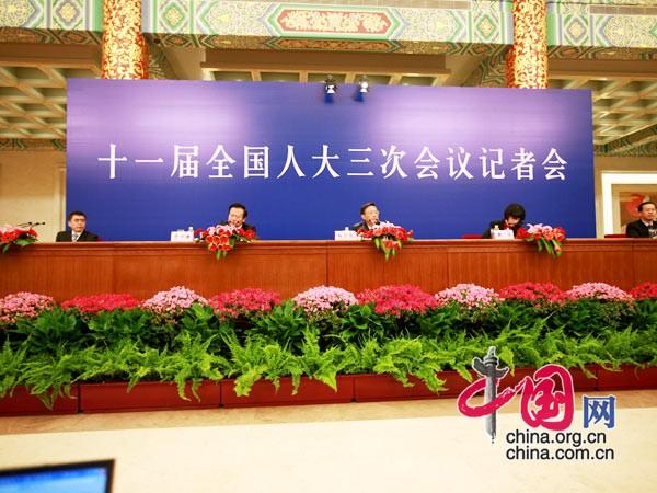 外交部部长杨洁篪就外交政策和对外关系答记者现场 中国网 胡迪