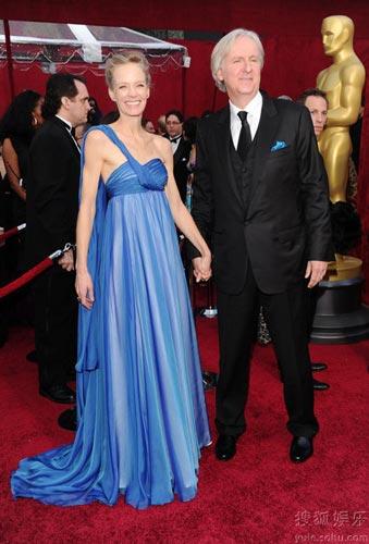 第82届奥斯卡颁奖礼红毯:詹姆斯-卡梅隆和妻子