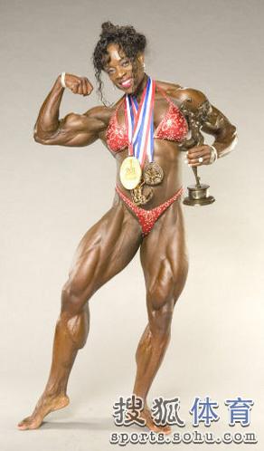 健美造就最强壮女人 魔鬼肌肉人令男士咋舌[图]图片