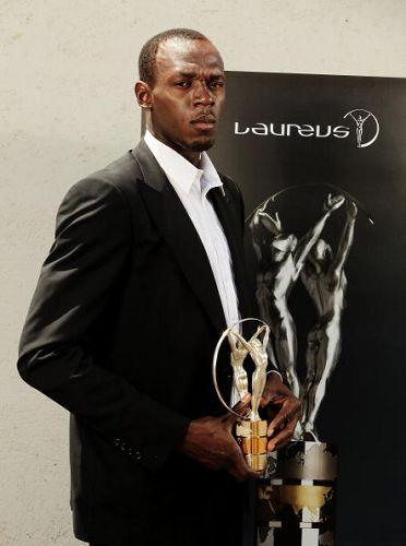 图文:2010劳伦斯颁奖典礼 博尔特装酷