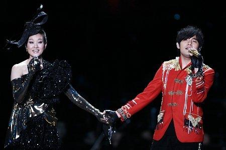去年,宋祖英在鸟巢举行的夏季音乐会曾邀请周杰伦当嘉宾