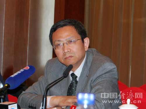 全国政协委员,财政部财政科学研究所所长贾康