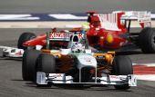 图文:F1巴林站第二次练习 苏蒂尔快速驶过