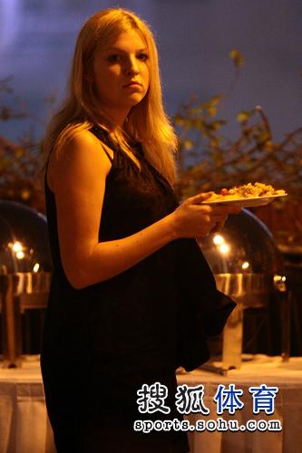 晚宴上的美女