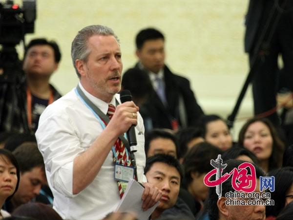 德新社记者提问 中国网 杨佳