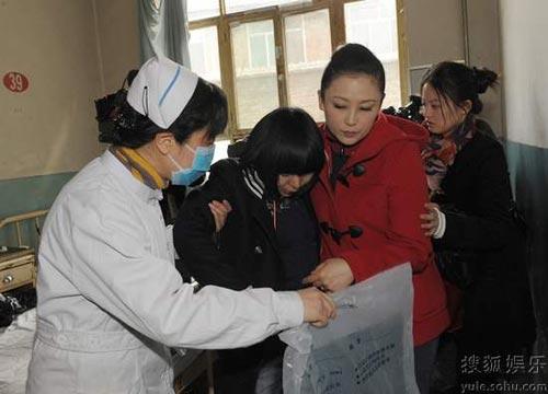 陈红也赶往医院处理善后事宜。
