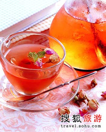鲜花入菜之:玫瑰花餐与茶