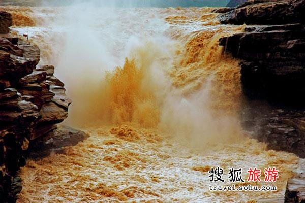 最黄色人体艺术_流动中的黄色——黄河壶口瀑布