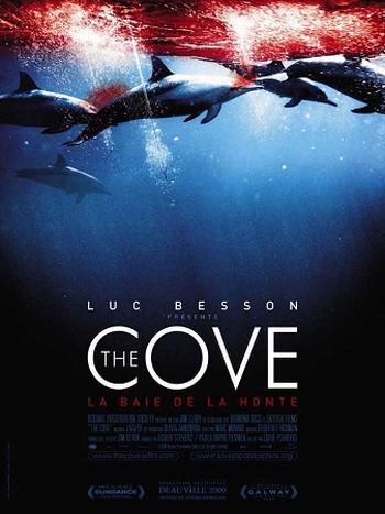 《海豚湾》海报