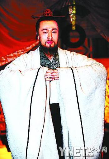 新人朱刚日尧扮演孔子