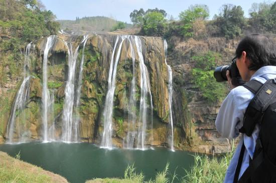 亚洲第一大瀑布黄果树瀑布遭遇历史罕见小水量 新华社