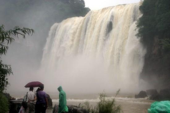 2007年6月8日的黄果树瀑布景