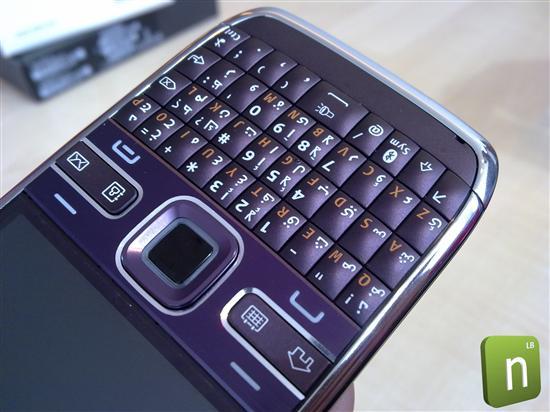 诺基亚商务旗舰E72新增紫色版 图赏