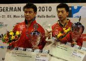 图文:德国乒乓球赛颁奖仪式 男单前两名合影