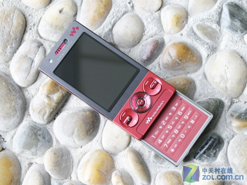 金属Walkman 索尼爱立信W705跌至1360