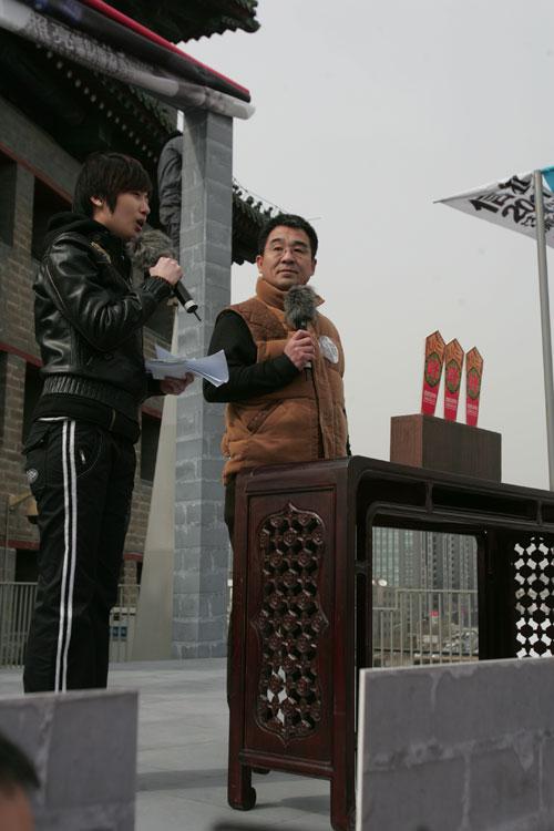 中央芭蕾舞团交响乐团团长李对升参加汪峰演唱会新闻发布会