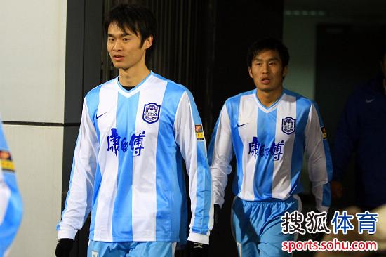 图文:[中超]天津热身1-0广州 吴伟安李本舰