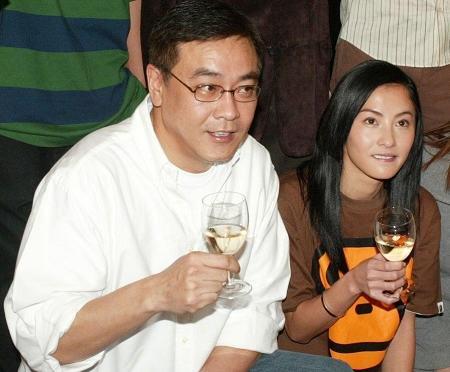 2003年,尔冬升和张柏芝在《忘不了》的庆功宴上
