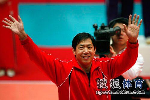 3月21日,王宝泉率领天津女排获得09-10赛季女排联赛冠军