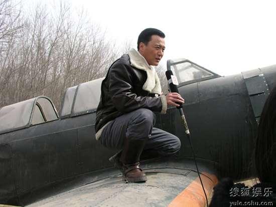 赵会南介绍飞机模型