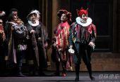 《弄臣》 意大利帕尔玛皇家歌剧院-A组首演-第二幕-中景-里欧努奇饰利哥莱托 (1)
