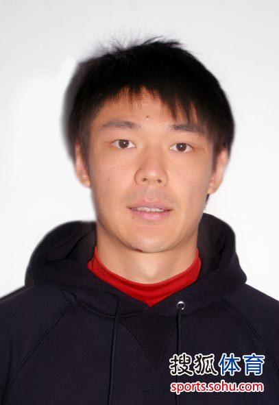 图文:河南2010赛季全家福 19.曾诚