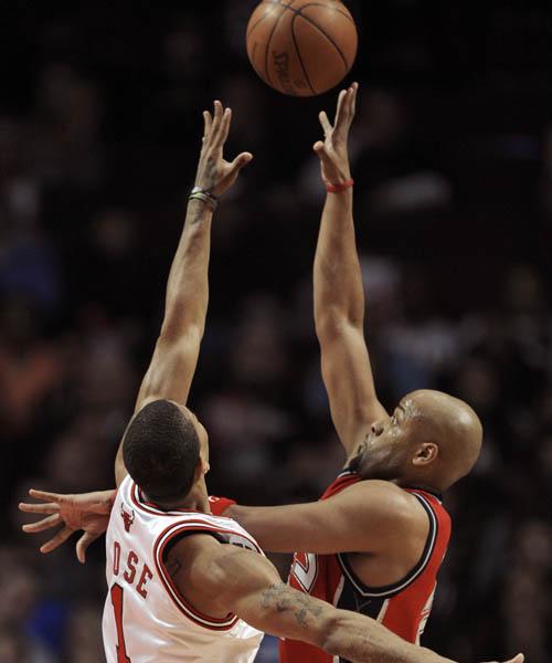 罗斯/图文:[NBA]篮网VS公牛罗斯奋力拼抢