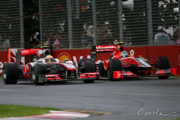 图文:F1澳大利亚站正赛 汉密尔顿超越格拉西
