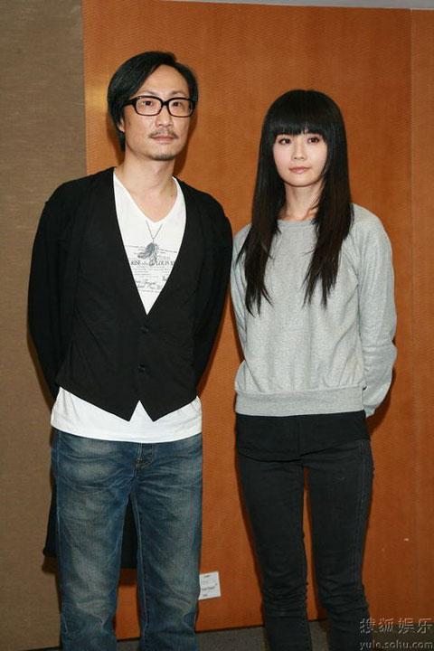 郑中基阿Sa开发布会 要离婚方知二人曾结婚