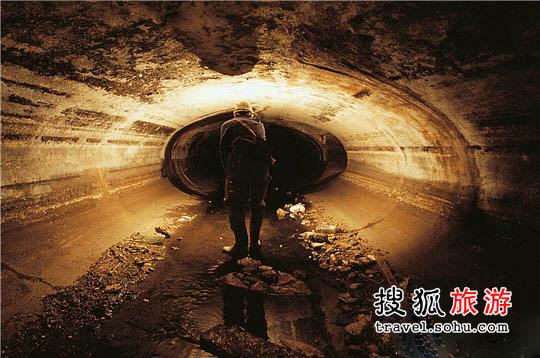 地下哹��z(`:ke9�g���:�_巴黎地下秘密世界:遍布二战墓穴与迷宫