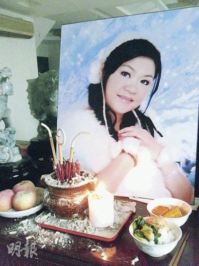 38岁的广州人杨烽,3月3日在浸会医院剖腹生产后,疑因胎盘植入子宫血崩,4天后死亡。