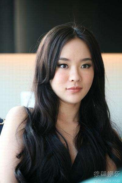 霍思燕在香港宣传电影《迷城》