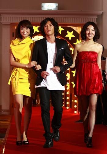 朱丹、张赫和杨谨华(左起)携手亮相
