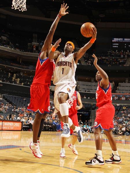 2010年4月1日NBA常规赛激战13场,其中一场东部内战中主场作战的图片