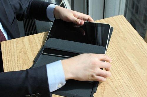 万众瞩目 苹果iPad零售版开箱照抢先看
