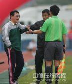 图文:[中甲]广州3-1北理工 金志扬表达不满