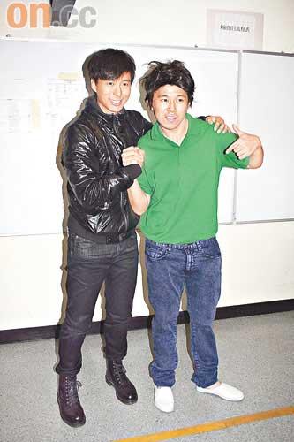 MC Jin(右)将接邓健泓棒主持《劲歌》