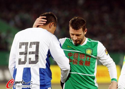 马季奇与对手