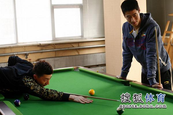 拳击:男乒图文打风云大力和马龙-搜狐体育台球队员‖图片